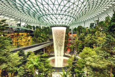 Nghìn lẻ một góc chụp sang chảnh tại sân bay đẹp nhất châu Á