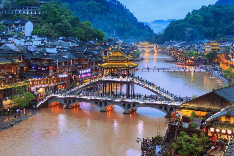 Tour Du lịch: Trương Gia Giới - Phượng Hoàng Cổ Trấn