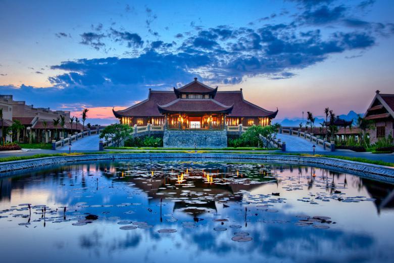 Tour Du Lịch: Ninh Bình - Hoa Lư - Hang Múa - Bái Đính - Tràng An